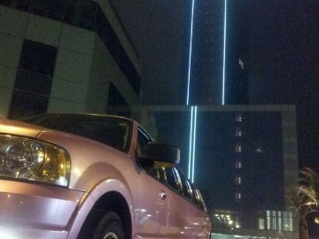 Ford Exp Rosa Hotel W